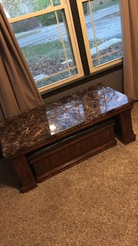 Coffee table  Clarksville, 37043