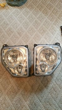 2009 Jeep Liberty kk headlights. West Grove, 19390