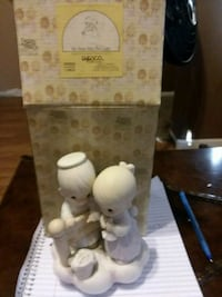 boy and girl Precious Moments figurine with box Las Vegas, 89146