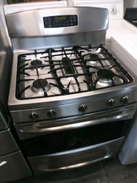 GE Profile 30in Stainless steel gas range