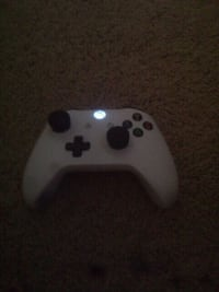white Xbox One game controller Lynn Haven, 32444
