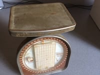 Vintage postal grey and white weighing scale Youngstown, 44512