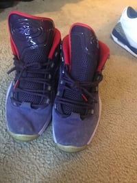 pair of blue-and-red Nike basketball shoes Vacaville, 95687