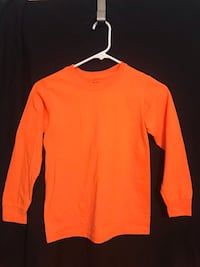 Orange Long sleeve T-shirt size youth med Fredericksburg, 22401