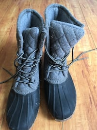 Union Bay Women's duck boots (snow boots) size 8. Faux fur lined, soft and comfy Los Angeles, 90028