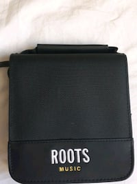 Roots black leather bi-fold disk case Toronto, M1T 2G6