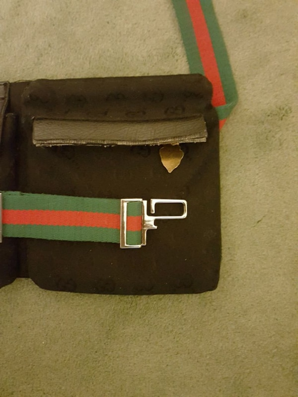 GUCCI Fanny Pack ~ MAKE OFFER!