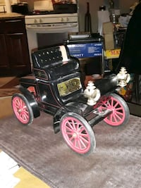 VINTAGE EARLY 1900S RUNABOUT CAR JIM BEAM DECANTER