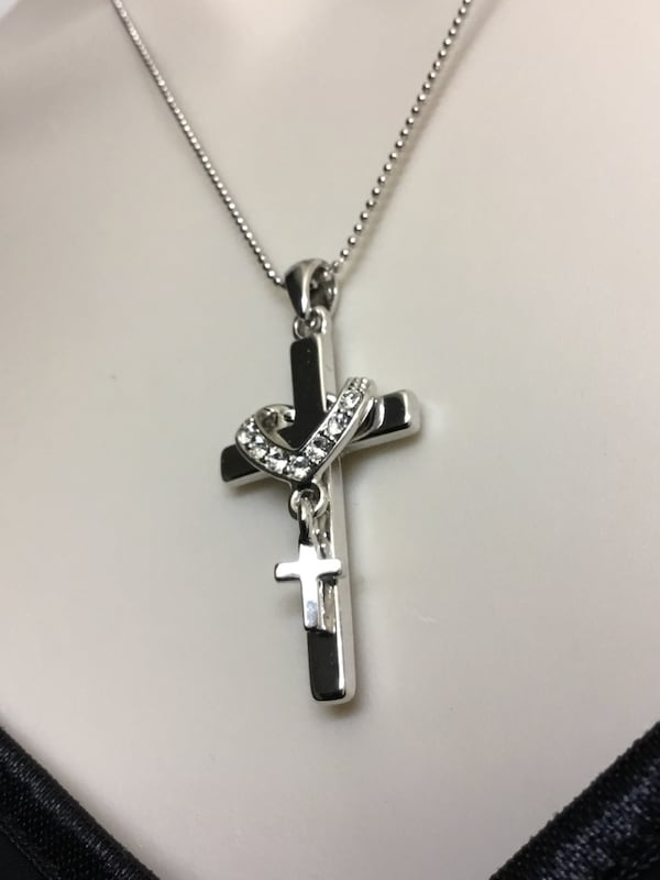 Stainless Steel Cross Necklace and chain 56f9fa0d-9ef8-4aa1-999d-ece5c3aadb5b