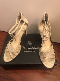 Size 8 gold Nina brand shoes Gaithersburg, 20877