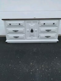 Dixie 9 drawers dresser  Plymouth