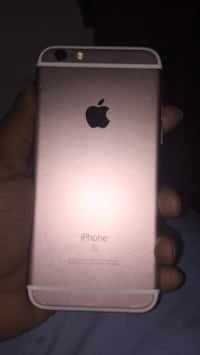 rose gold iphone 6s  Raleigh, 27616
