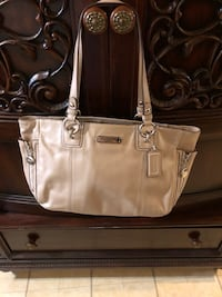 Coach leather handbag  Laurel