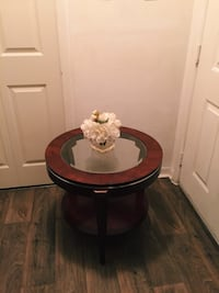 round brown wooden side table Kissimmee, 34741