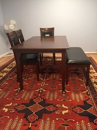 Dining room table set of 6 peace