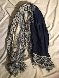 Reversible blue/white printed scarf Waterloo, N2L 3M7