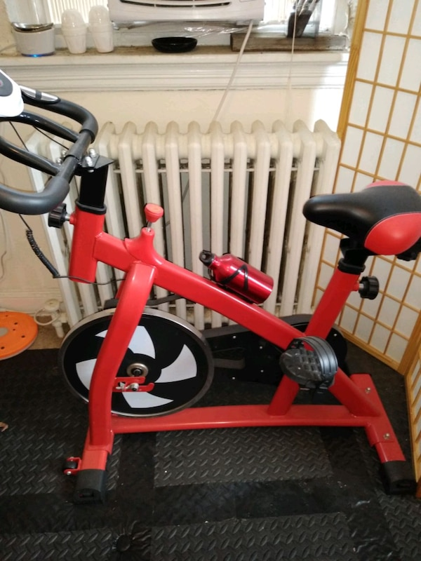 Exercise bike b54689ad-b62c-4f99-9ebe-435b8c9ebd53
