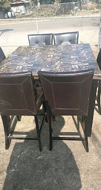 Beautiful Pub Table 6 chairs