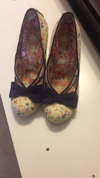 Beige and multicolored floral heeled sandals