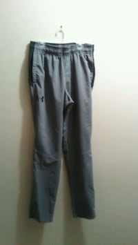 Mens medium under armour pants  3153 km