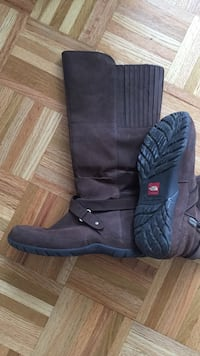 North Face brown suede waterproof boots size 9