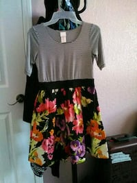 black and multicolored floral scoop-neck dress Union City, 94587