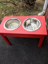 Tall pet bowl stand