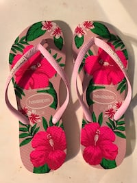 pink-and-green floral Havaianas flip flops (Size 7/8) Centreville, 20120