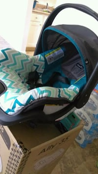 baby's black and blue car seat carrier Manassas, 20111