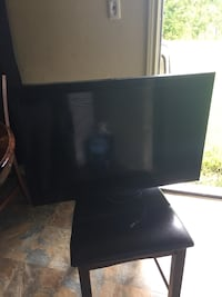 "35"" Emerson tv  Houston, 77047"