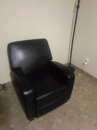 black leather padded rolling armchair Bentonville, 72712