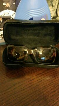 black framed sunglasses with case Martinez, 30907