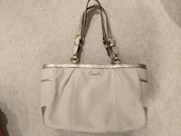 Authentic Coach tote  Lake Bluff