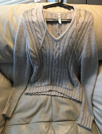 women's gray sweater Burnaby, V5B 2J9