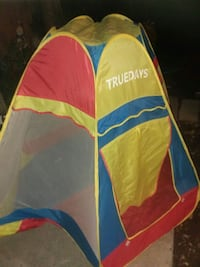 Cool kids tent! Good condition Orange, 92867