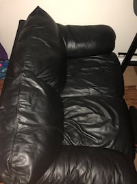 Leather Couch  Brampton, L6Z 2C1