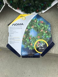 Pick up in mornville 3 noma prelit wreath Edmonton, T5Z 0J5