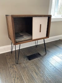 Mid century modern record player stand and console Reston, 20191
