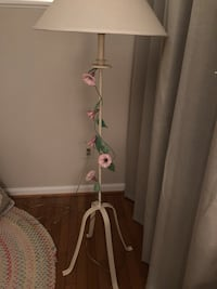 Floor Lamp with floral vine trim Ashburn, 20147