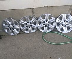 """4-Chevy 17"""" Wheels covers"""