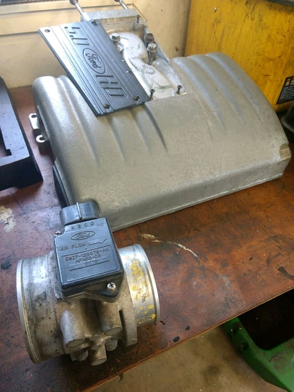 FORD 5.0 302 INTAKE PLENUM AND MASS AIR METER