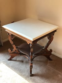 Marble top end table  Crofton, 21114