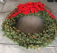 5 ft pre-lit Christmas wreath Bluffton, 29910