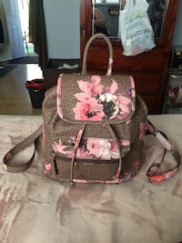 Guess backpack purse  Pitt Meadows, V3Y 1M9