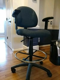 High office chair Woodbridge, 22193