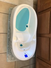 Baby's white and blue bather  4 moms good condition works great Sahuarita, 85629