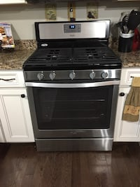 For sale whirlpool gas stove  640 km