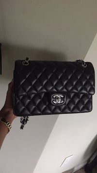 Black chanel leather quilted crossbody bag Morrow, 30260