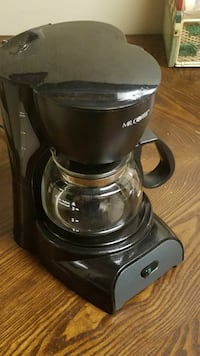 4 cup coffee machine with filters