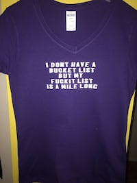 Purple and white crew-neck t-shirt Winnipeg, R2C 1W7